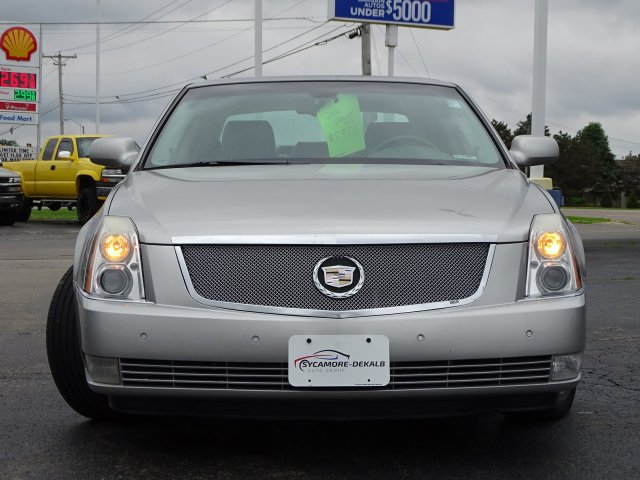 Pre-Owned 2006 Cadillac DTS w/1SC