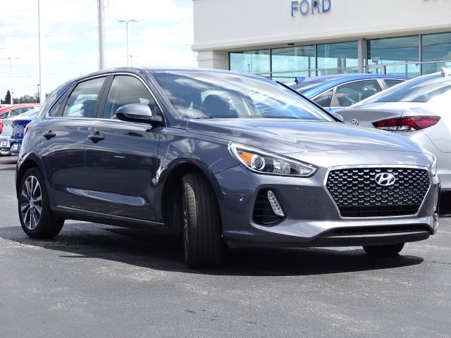 Pre-Owned 2018 Hyundai Elantra GT Base