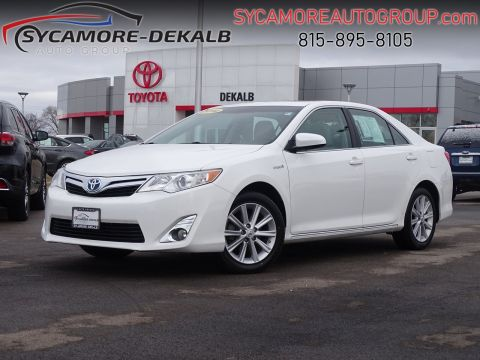 Pre-Owned 2014 Toyota Camry Hybrid XLE